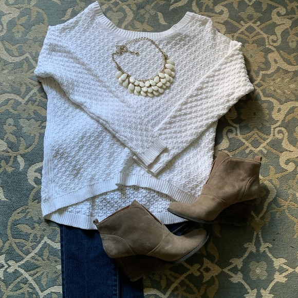 Old Navy Sweaters - Old Navy hi-lo sweater